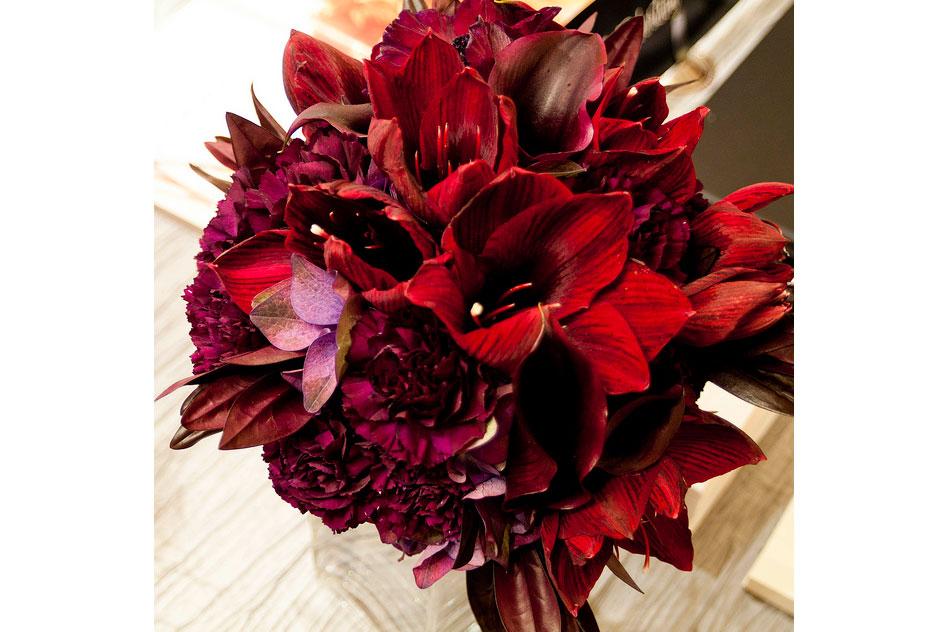 Bridal-Bouquet-amaryllis,-hydrangea,-carnations,-dark-foliage_9402780077_m