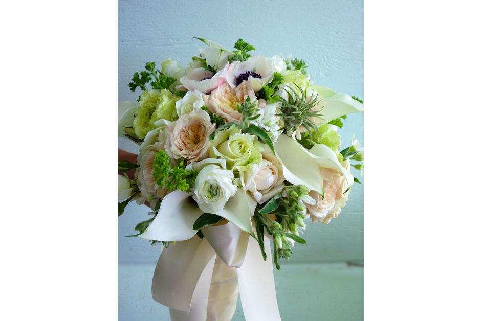 White,-green,-blush-Spring-bridal-bouquet_8708413288_m